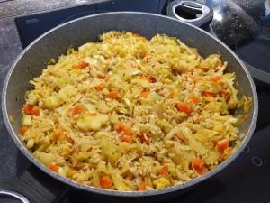 pražen riž z zelenjavo in s curry-jem (2)